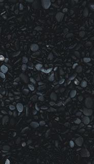 حصوات قطع من الأحجار لون اسود باترن رائع بلون اسود وازرق تحفة
