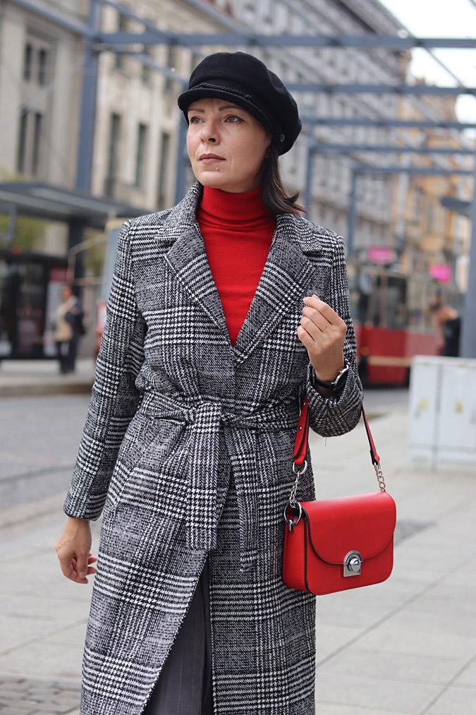 płaszcz w kratę stylizacje