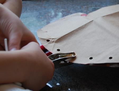 como hacer bolsos de papel