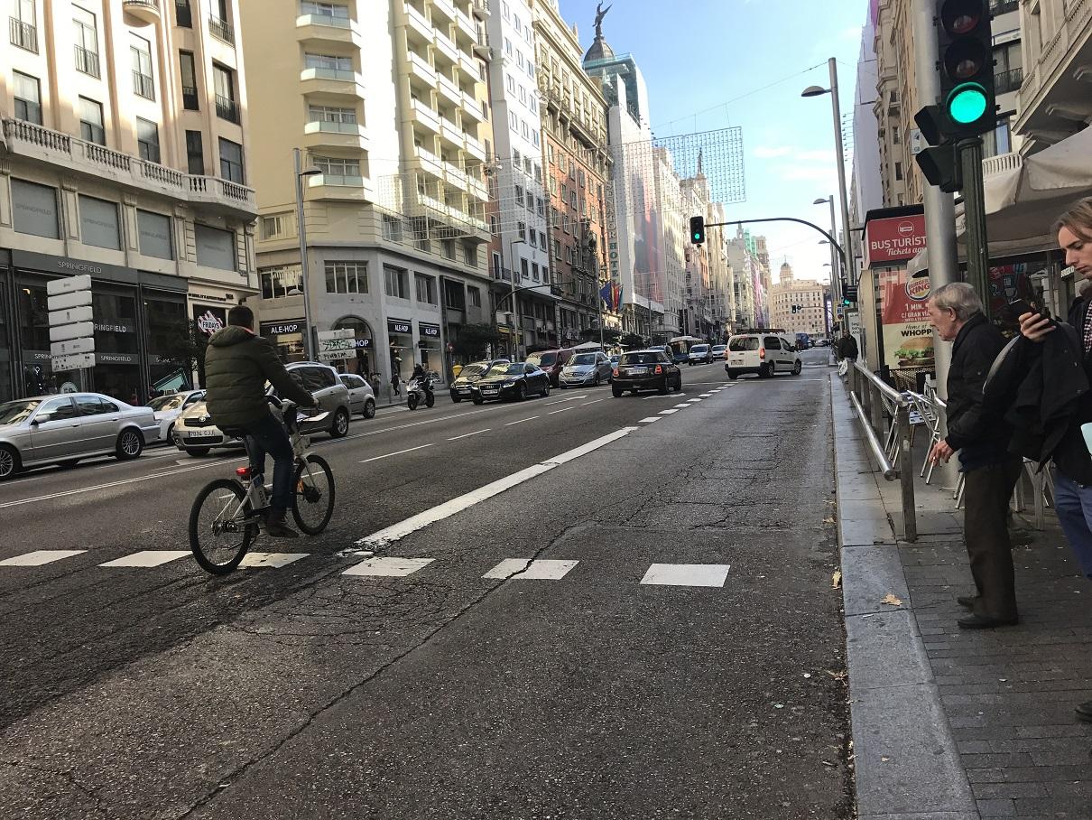 Bicicletas, ciudades, viajes   : En Madrid no hay bicis en