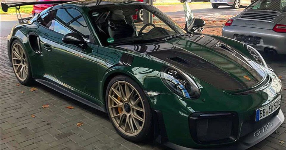 porsche 911 gt2 rs looks stunning in british racing green. Black Bedroom Furniture Sets. Home Design Ideas
