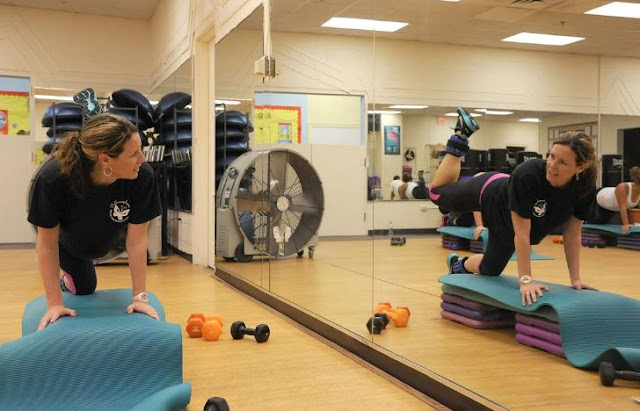 reasons fitness centers need gym mirrors