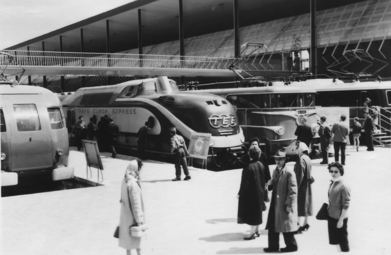 Throwback Thursday: Kraftwerk's 'Trans Europe Express' 40 Years Later