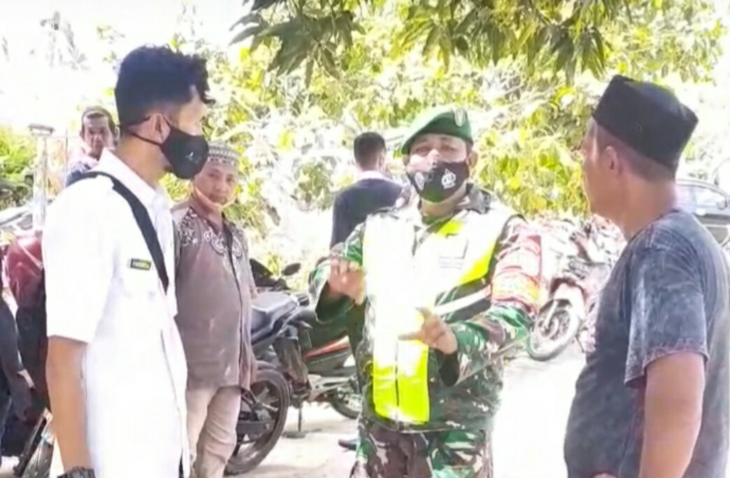 Lakukan Komsos, Babinsa Kelurahan Ranai Kota Sosialisasikan Vaksinasi Bersama Dengan Warga Binaan