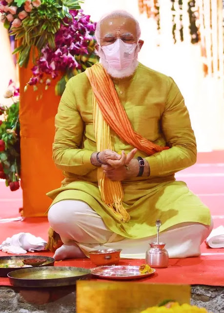 Narendra Modi biography in Hindi, narendra modi, narendra modi biography, narendra modi age, narendra modi wife, narendra modi political career