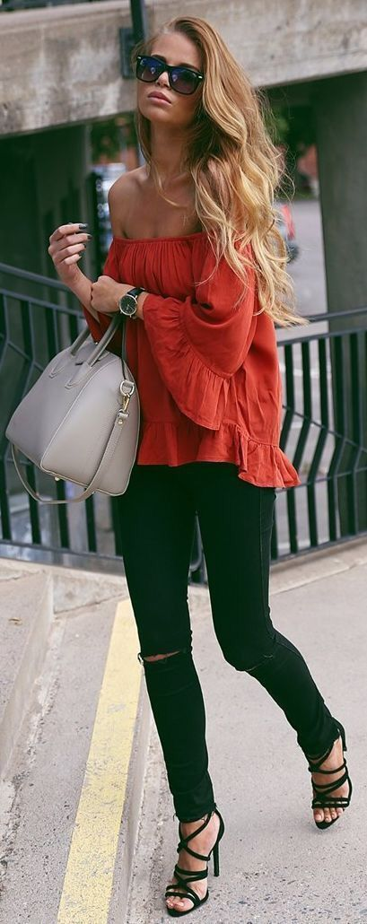 trendy summer outfit idea: blouse + bag + rips + heels