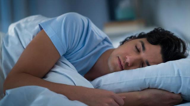 Modo de dormir puede ser señal de futuras enfermedades cerebrales