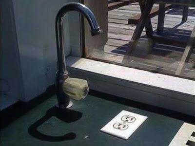 Distance minimale entre le robinet et la prise de courant pas forcément respectée !