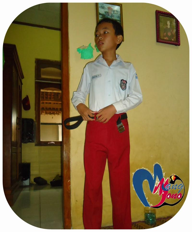 Contoh Baju Seragam Batik Sekolah: Baju Seragam Sekolah Harus Di Pertahankan