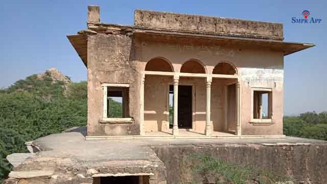 saladipura baradari khandela