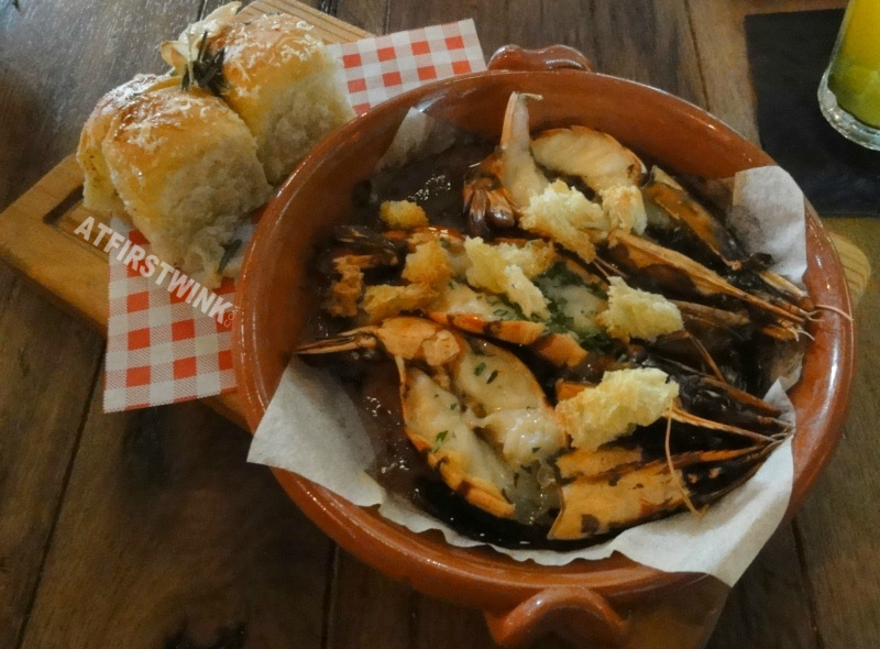 Jamie's Italian Markthal garlic and chilli prawns
