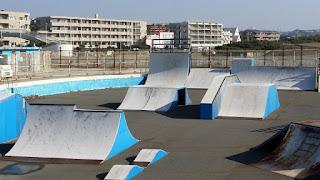ロンスケやサーフスケートなどソフトウィールが逆に楽しい鵠沼スケートボードパーク