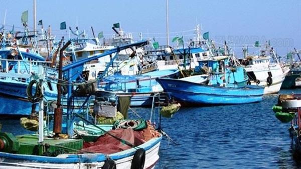 توقف حركة الملاحة والصيد ببوغاز رشيد وميناء إدكو