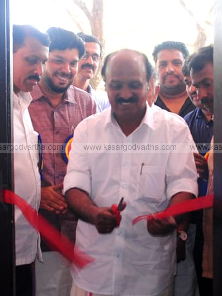 Kerala, News, Library, Revenue minister, E Chandrasekharan, Inauguration, Revenue minister E Chandrasekharan inaugurated Avaneendranath master library