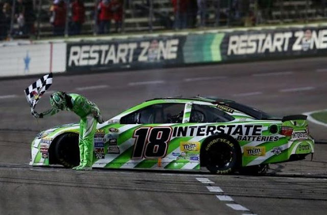 Tony Stewart helping Texas Motor Speedway convey NASCAR flavor to TMS Dirt Track