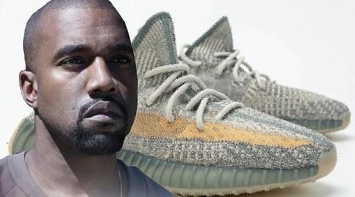 Rapper Amerika Kanye West, yang mendirikan lini alas kakinya pada tahun 2009, dituduh tidak menghormati Islam dengan menamai dua