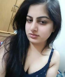 Indian Girl in bikini   Girl in Bra Navel Queens