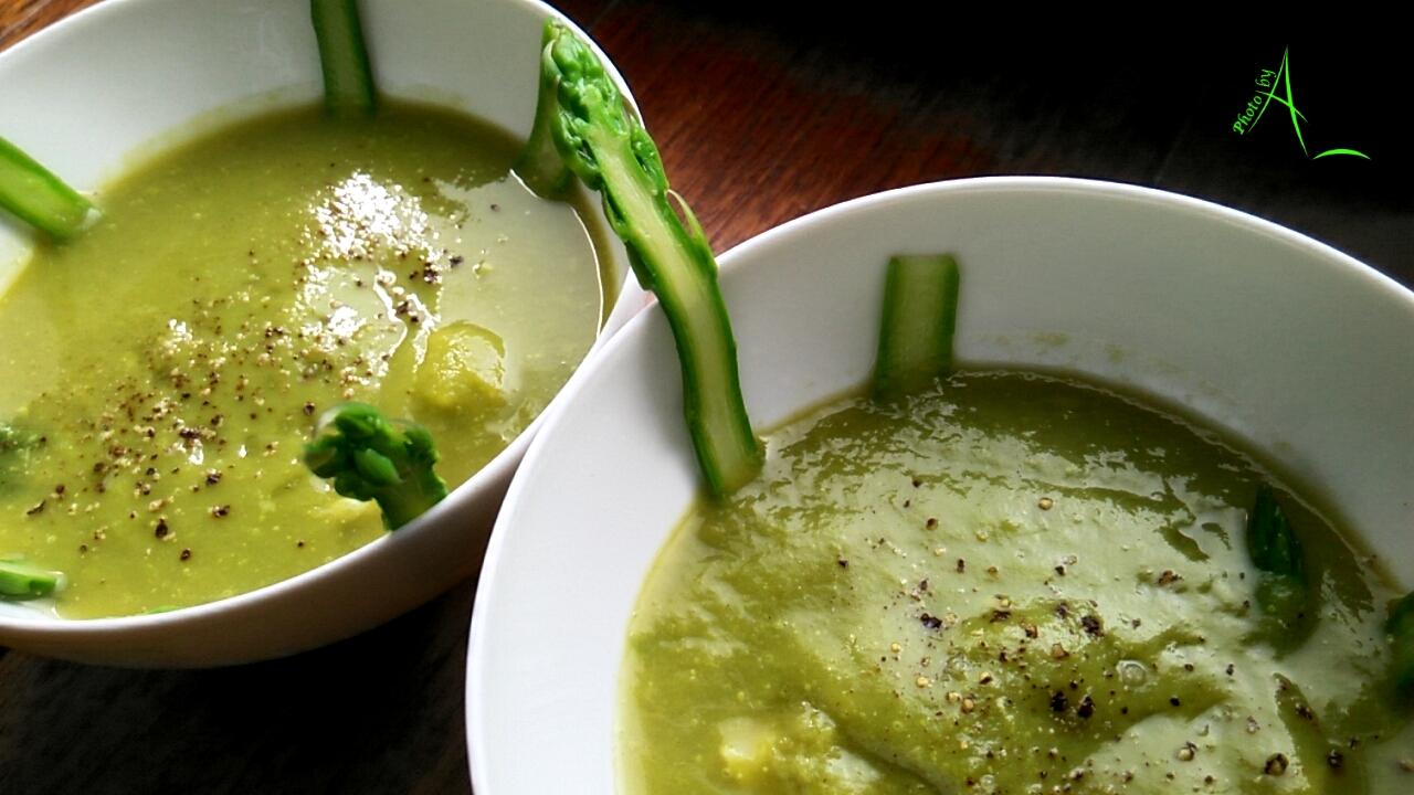 La cuisine de christine cr me d 39 asperges vertes et son for La cuisine de christine