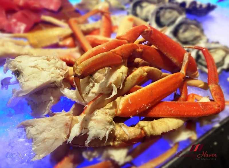 spices cafe harvest of sea buffet snow crabs