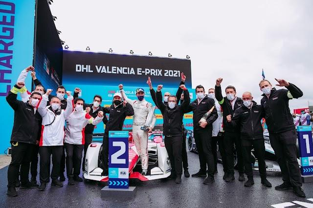 The Mercedes-Benz EQ Formula E Team achieves double podium on the first race of the Valencia E-Prix