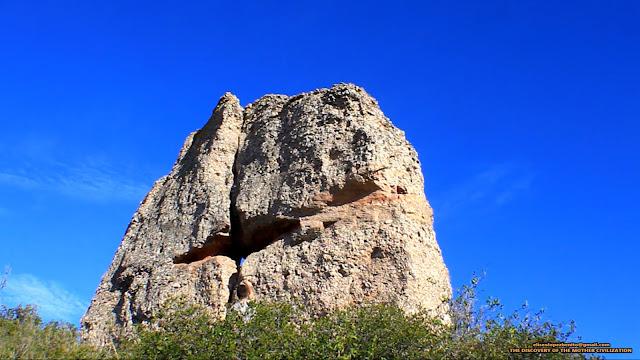 Montaña de Montserrat, Eliseo López Benito, Civilización Madre, el templo abierto de Montserrat, Montserrat es un prototemplo atlante, toro de montserrat, escultura de toro de Monterrat,