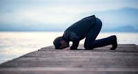 5 Kategori Orang yang Makruh Menjadi Imam Shalat, Nomor 4 Perlu Diperhatikan