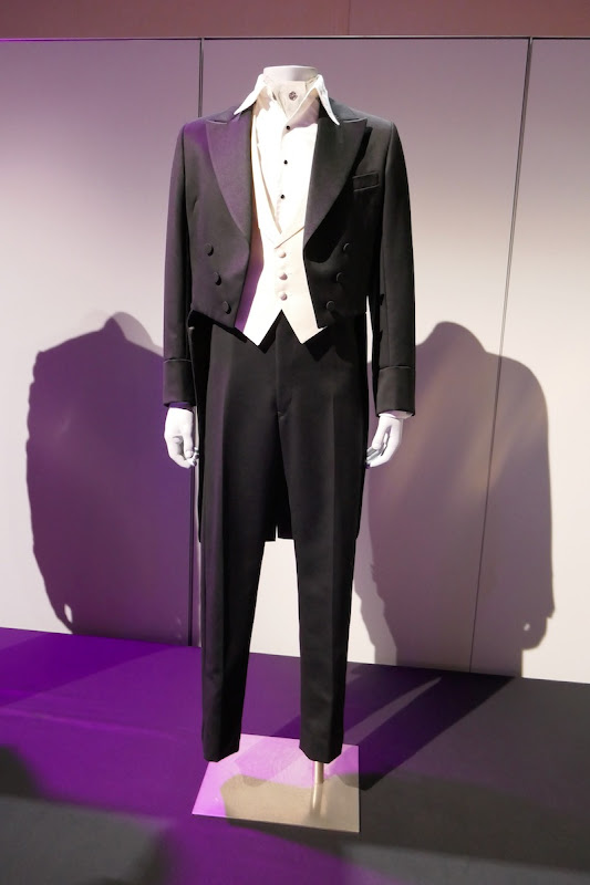 Michael Keaton Dumbo VA Vandevere costume