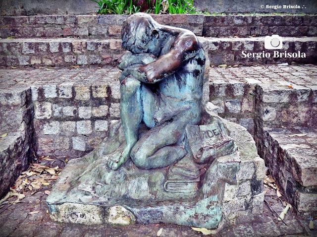 Close up da escultura Tarde exposta no Parque da Independência - Ipiranga - São Paulo