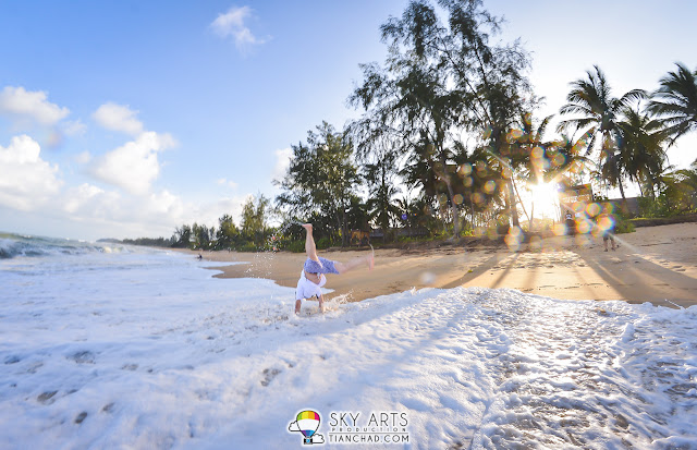 SaiMatKong did handstand and starfish twist at the beach of Tanjong Jara Resort