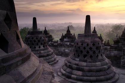 Borobudur Buddhist temple in indonesia