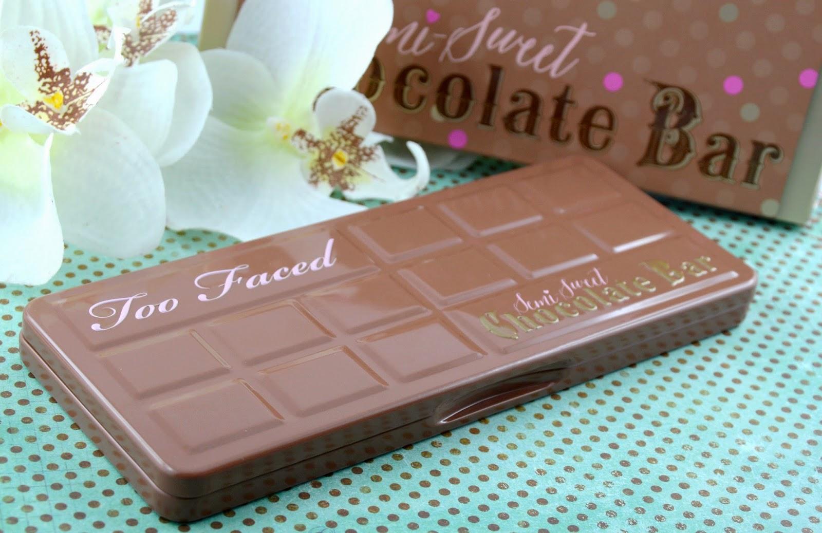 La palette gourmande Semi -Sweet Chocolate Bar de Too Faced