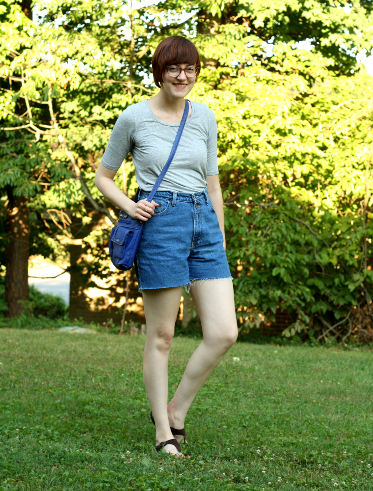 thrifted cut off shorts and crossbody with everlane pima cotton