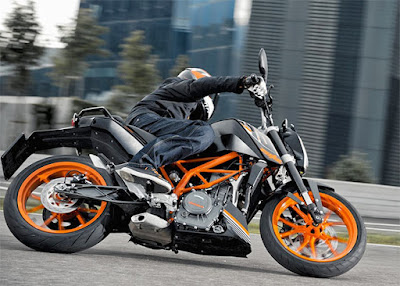 2017 KTM Duke 390 road test
