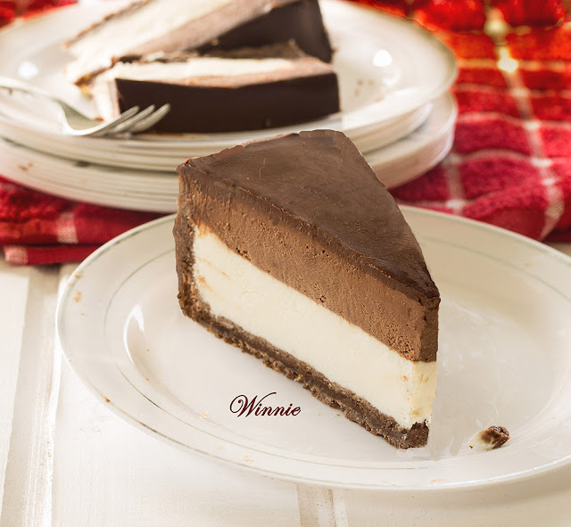 Cheesecake with Whipped Chocolate Mousse