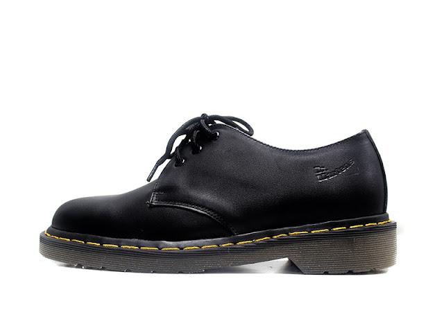 Kinh nghiệm lựa chọn giày cho bạn nam thấp