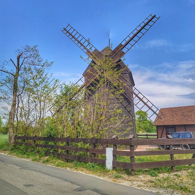 Wiatrak do mielenia mąki, drewniane zabytki, Wielkopolska