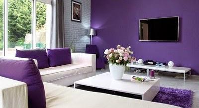pesona warna ungu pada desain ruang tamu - desain interior