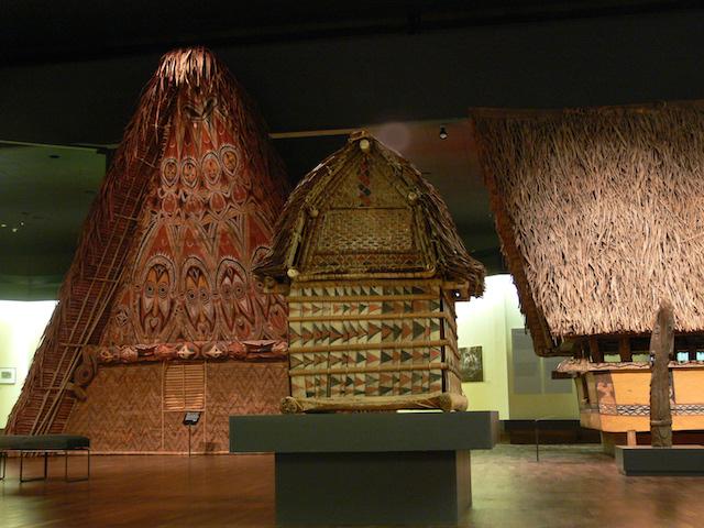 Interior do Museu Dahlem em Berlim