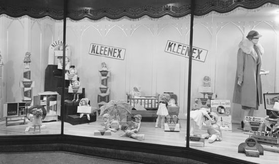 Kleenex, Kassis window 1938