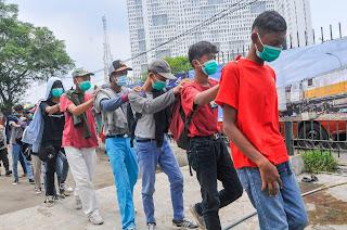 Terungkapnya Isi Pesan Provokator Demo, Ajak Teman Bawa Oli dan Batu untuk Habisi Polisi