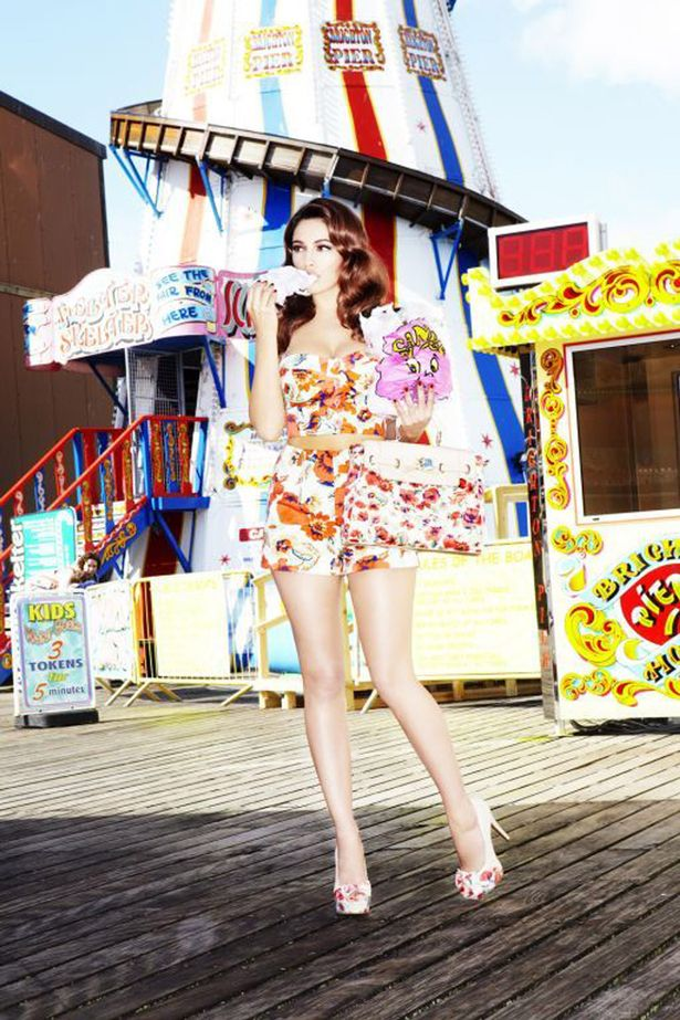 1ef1a0e629ef (Kelly Brook on Brighton Pier- enviably personifying the ultimate British  Pin Up life)
