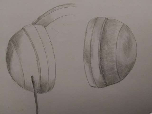 Head phone pencil study