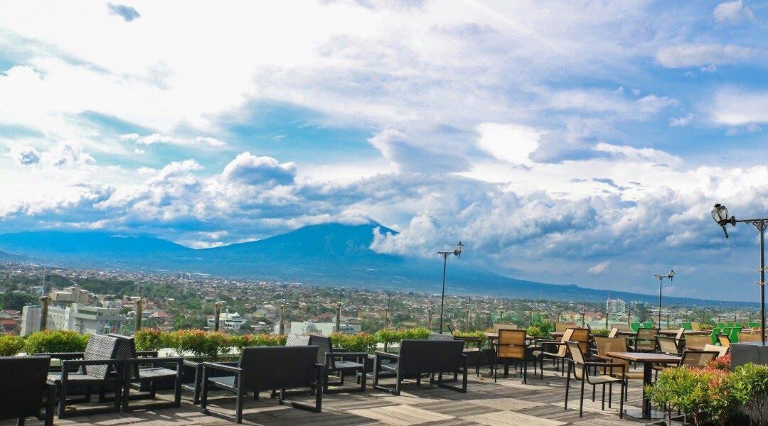 Makan Malam Romantis di Skyroom OJ Hotel atau Resto SkyGarden