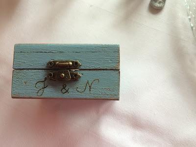 Wooden ring box, Texas wedding in Germany, Bavaria, Garmisch-Partenkirchen, Riessersee Hotel, wedding destination location, wedding planner Uschi Glas, alps and lake-side wedding