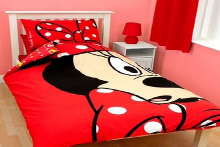 des chambres coucher minnie mouse pour fille b b et d coration chambre b b sant b b. Black Bedroom Furniture Sets. Home Design Ideas