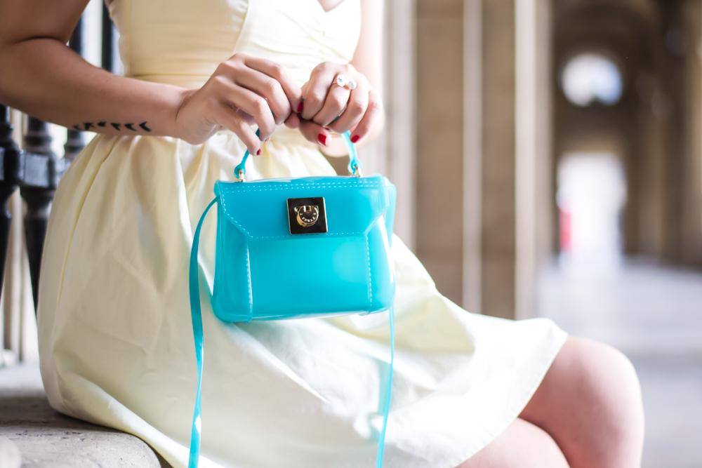 博客模式巴黎,街头风,夏季时尚,在巴黎见我,Furla