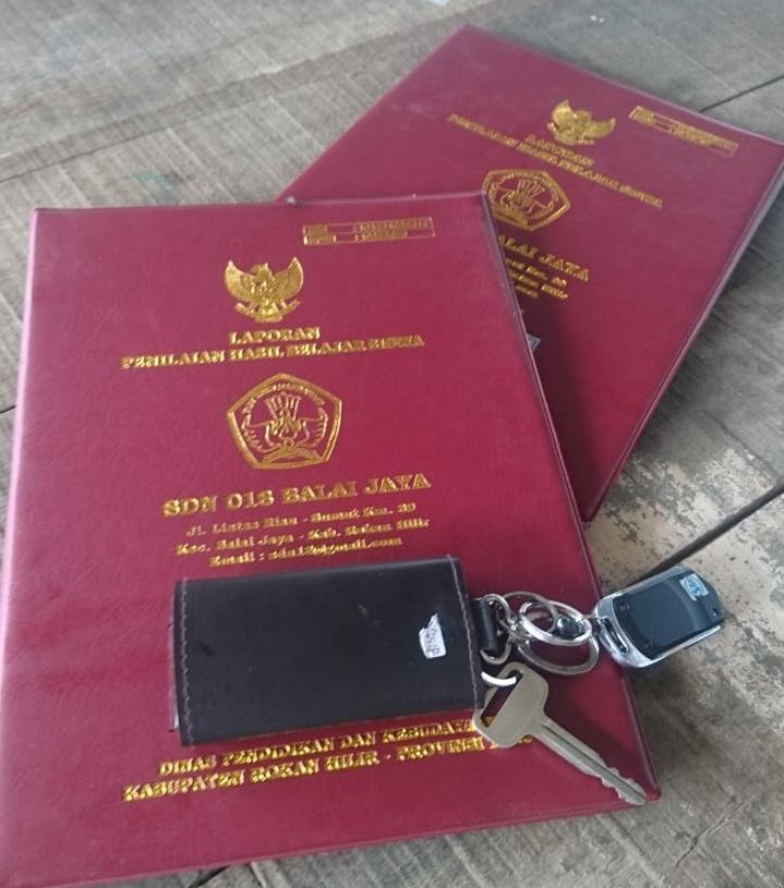 Kepala Sekolah Sd N 018 Diduga Kutip Uang Sampul Raport Sebesar Rp 75 000 Rupiah Erapublik Com