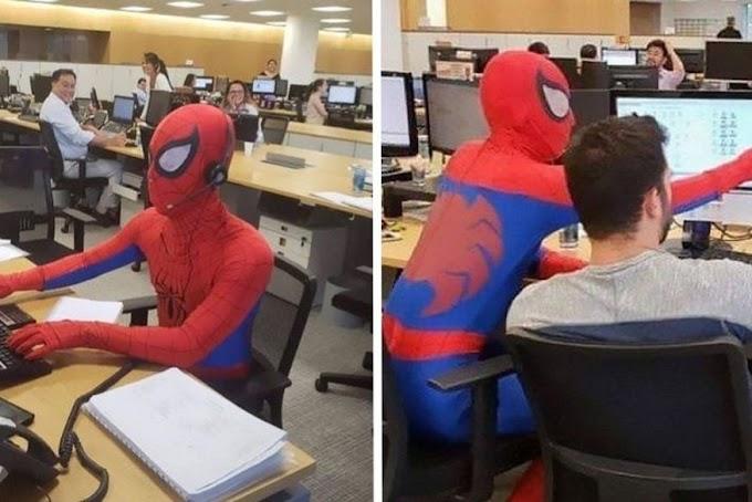 PRESEPADA: Bancário se demite e vai trabalhar no último dia vestido de Homem-Aranha.