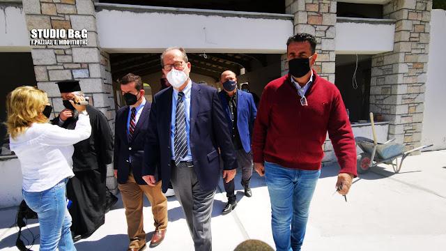 Για τις εργασίες αποπεράτωσης του κτηρίου συσσιτίων στο Ναύπλιο ενημερώθηκε ο Περιφερειάρχης Πελοποννήσου (βίντεο)