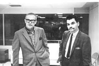 लॉन्ग जॉन नेबेल, कैंडी जोन्स के दूसरे पति, बाईं ओर, 1970 की शुरुआत के दौरान। रेडियो गोल्ड इंडेक्स।